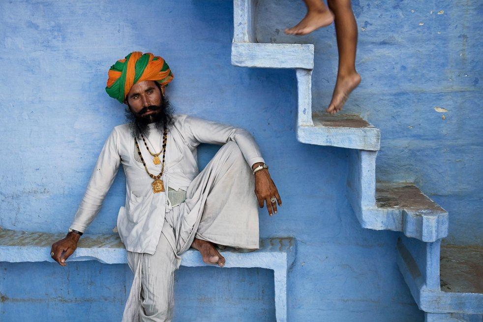Man beneath strairs, 2005. Jodhpur, India.